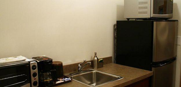 Hotel room kitchen sink